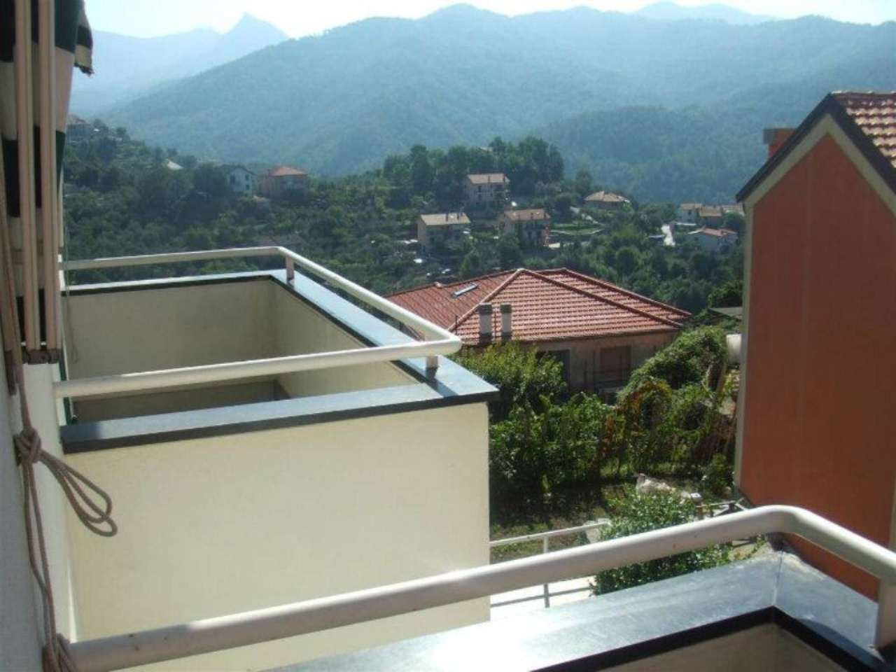 Villa Bifamiliare in vendita a Castiglione Chiavarese, 10 locali, Trattative riservate | Cambio Casa.it