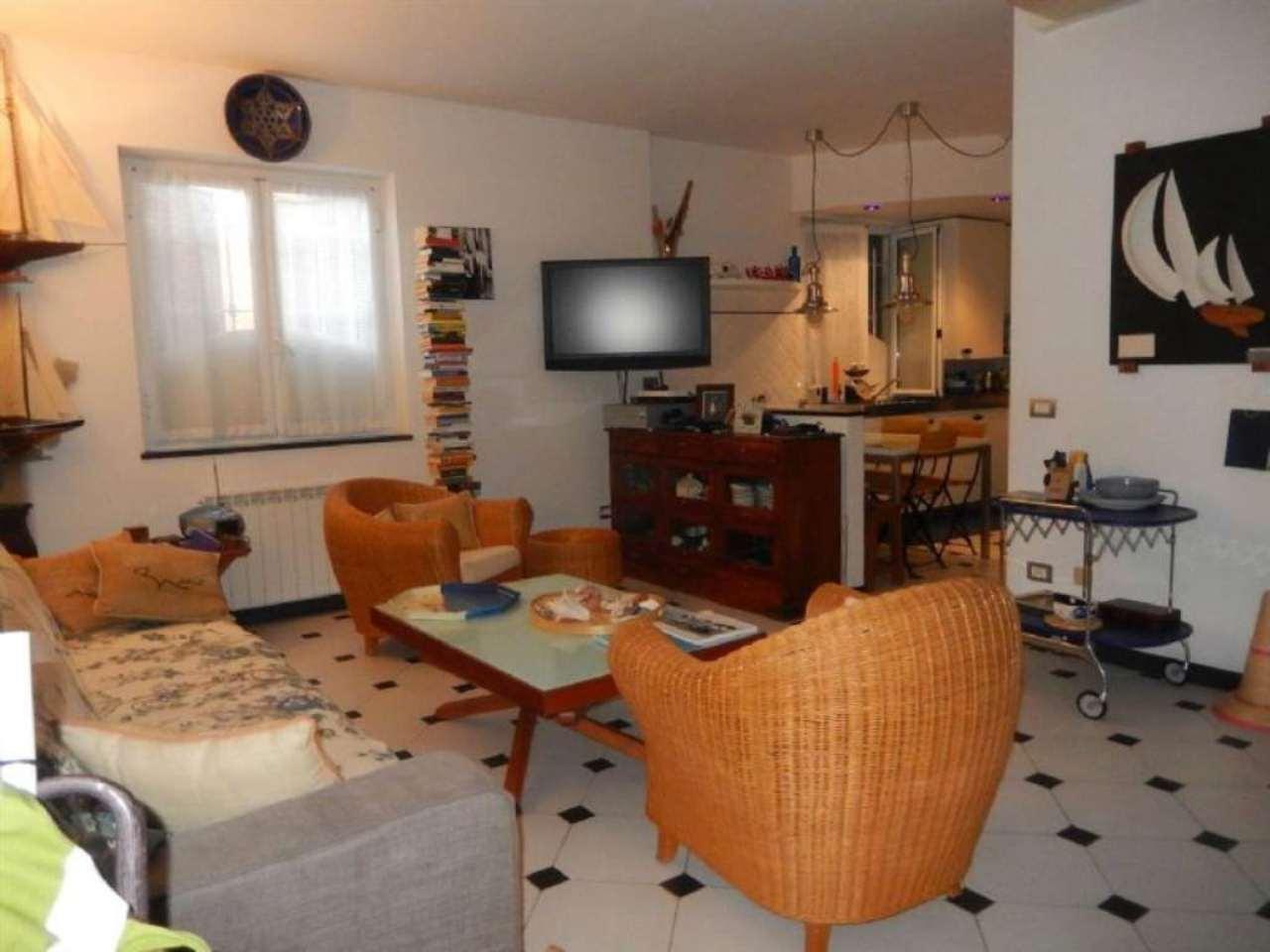 Appartamento in vendita a Sestri Levante, 6 locali, prezzo € 420.000 | Cambio Casa.it