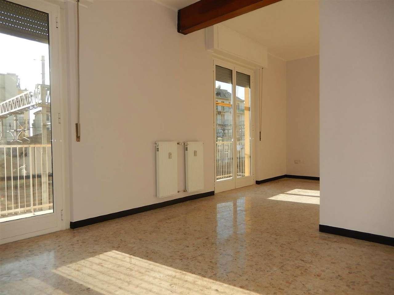 Appartamento in affitto a Sestri Levante, 5 locali, prezzo € 700 | Cambio Casa.it