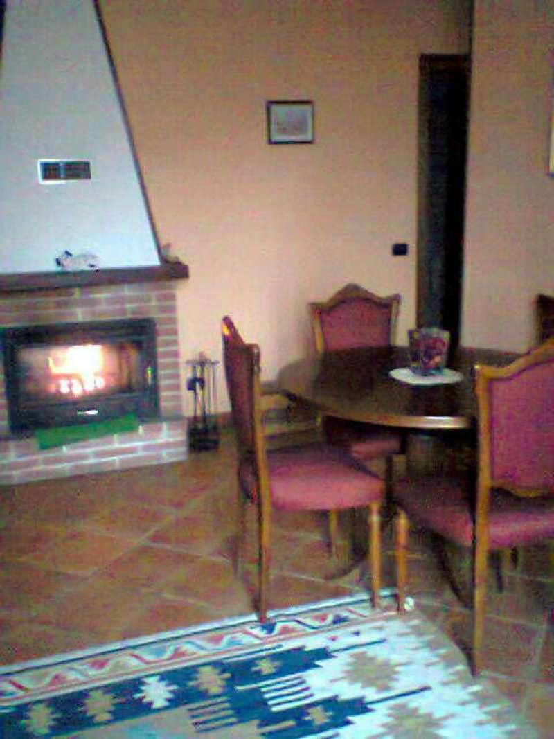 Appartamento in vendita a Rocchetta di Vara, 3 locali, prezzo € 77.000 | Cambio Casa.it