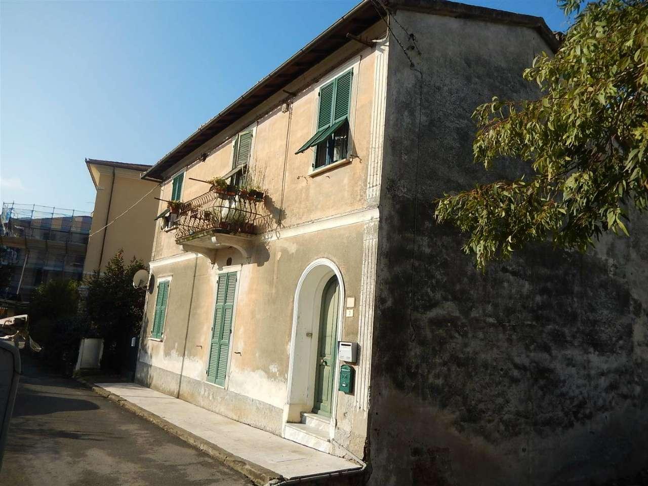 Appartamento in vendita a Sestri Levante, 5 locali, prezzo € 175.000 | Cambio Casa.it