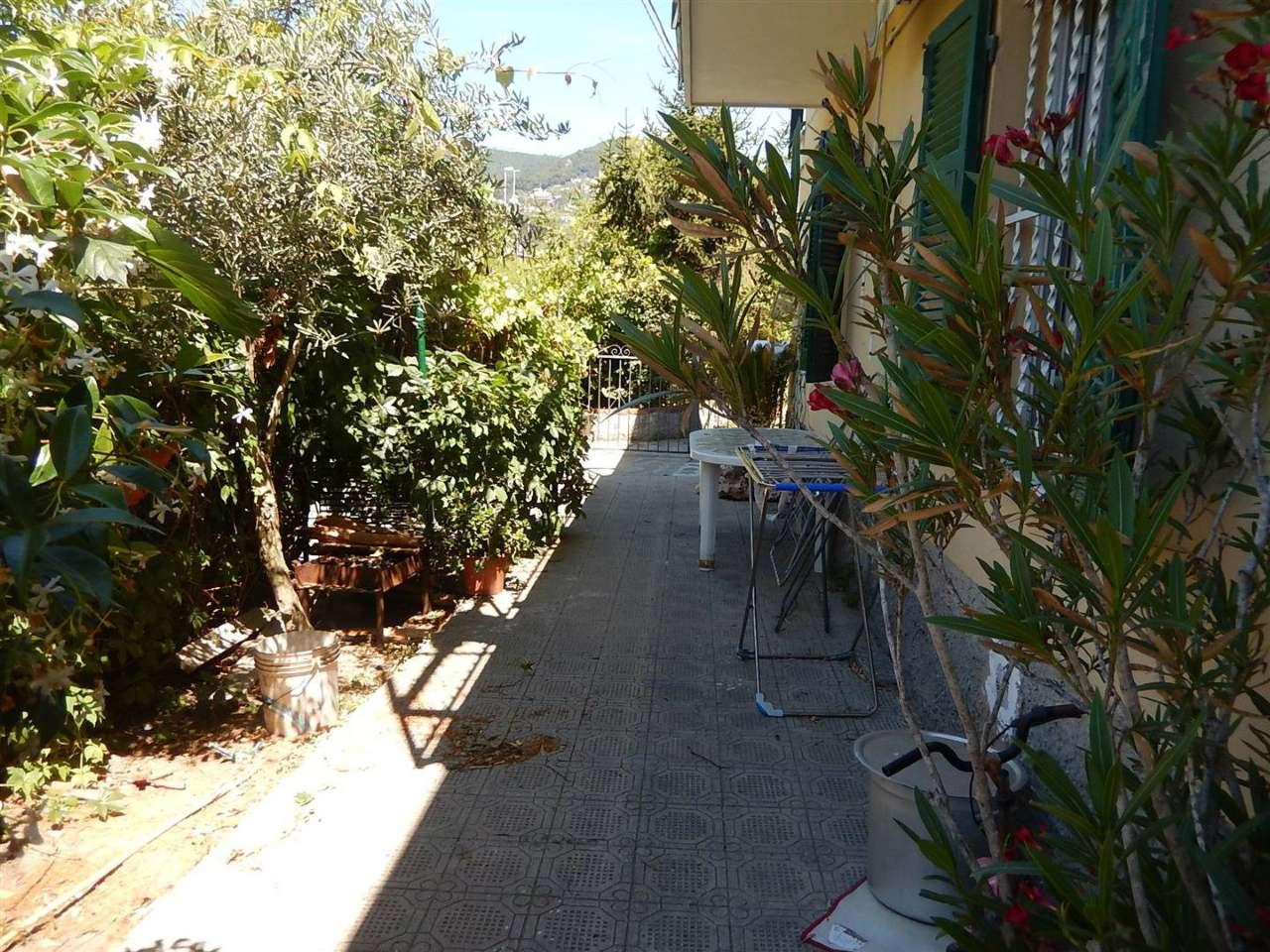 Appartamento in vendita a Sestri Levante, 4 locali, prezzo € 140.000   CambioCasa.it