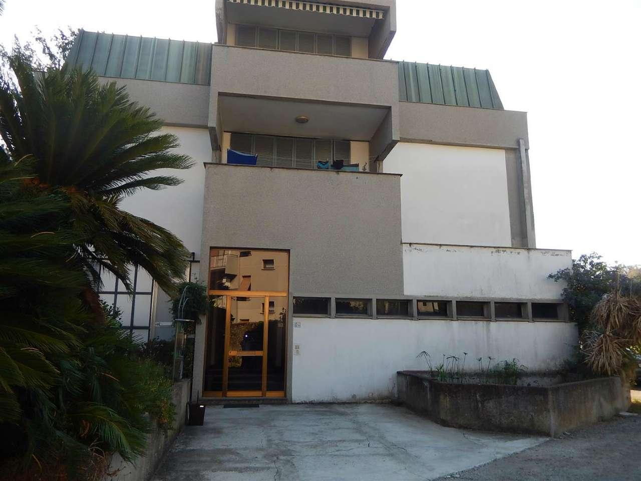 Appartamento in vendita a Sestri Levante, 6 locali, prezzo € 325.000 | CambioCasa.it