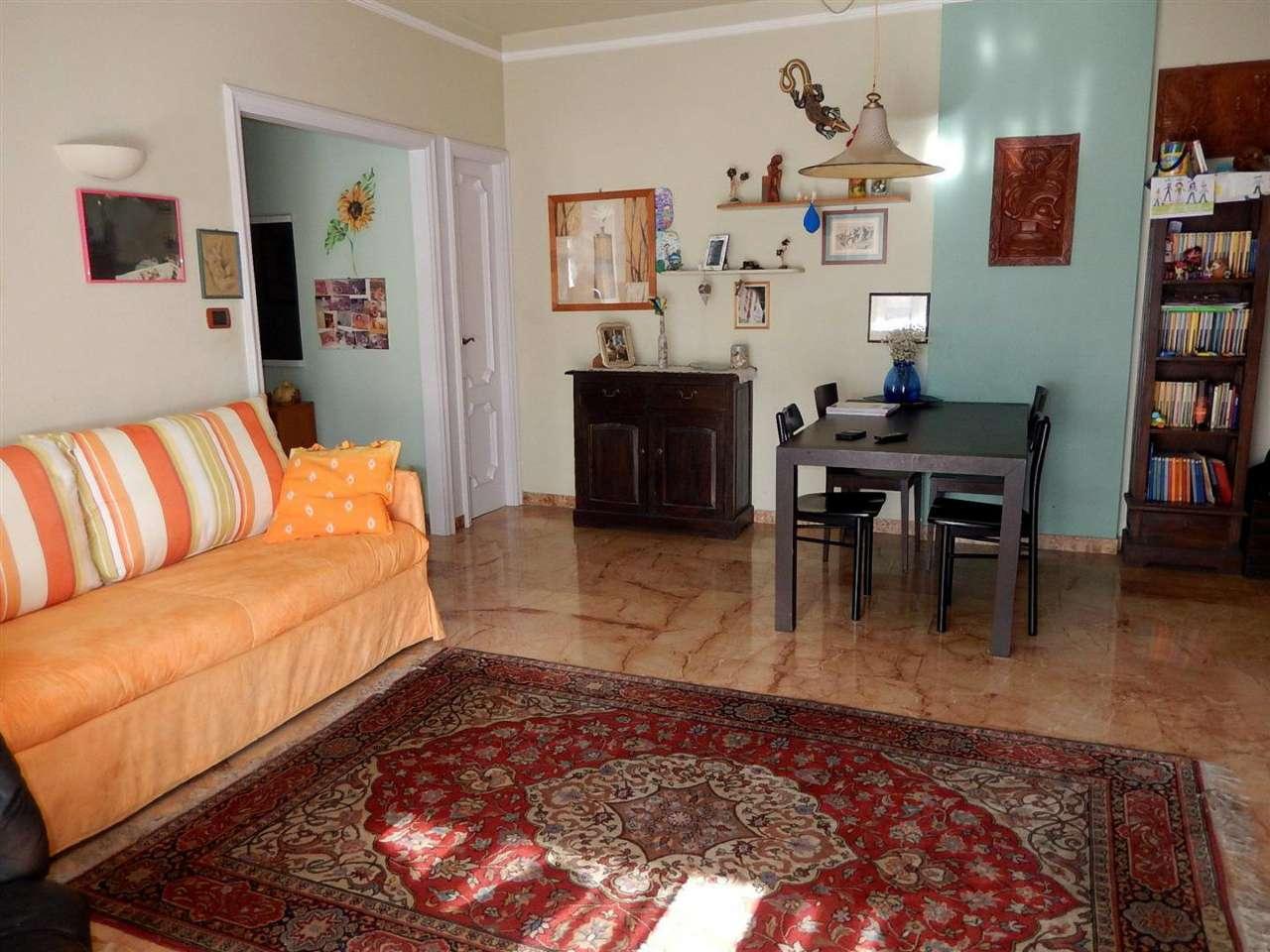 Appartamento in vendita a Sestri Levante, 4 locali, prezzo € 240.000 | CambioCasa.it