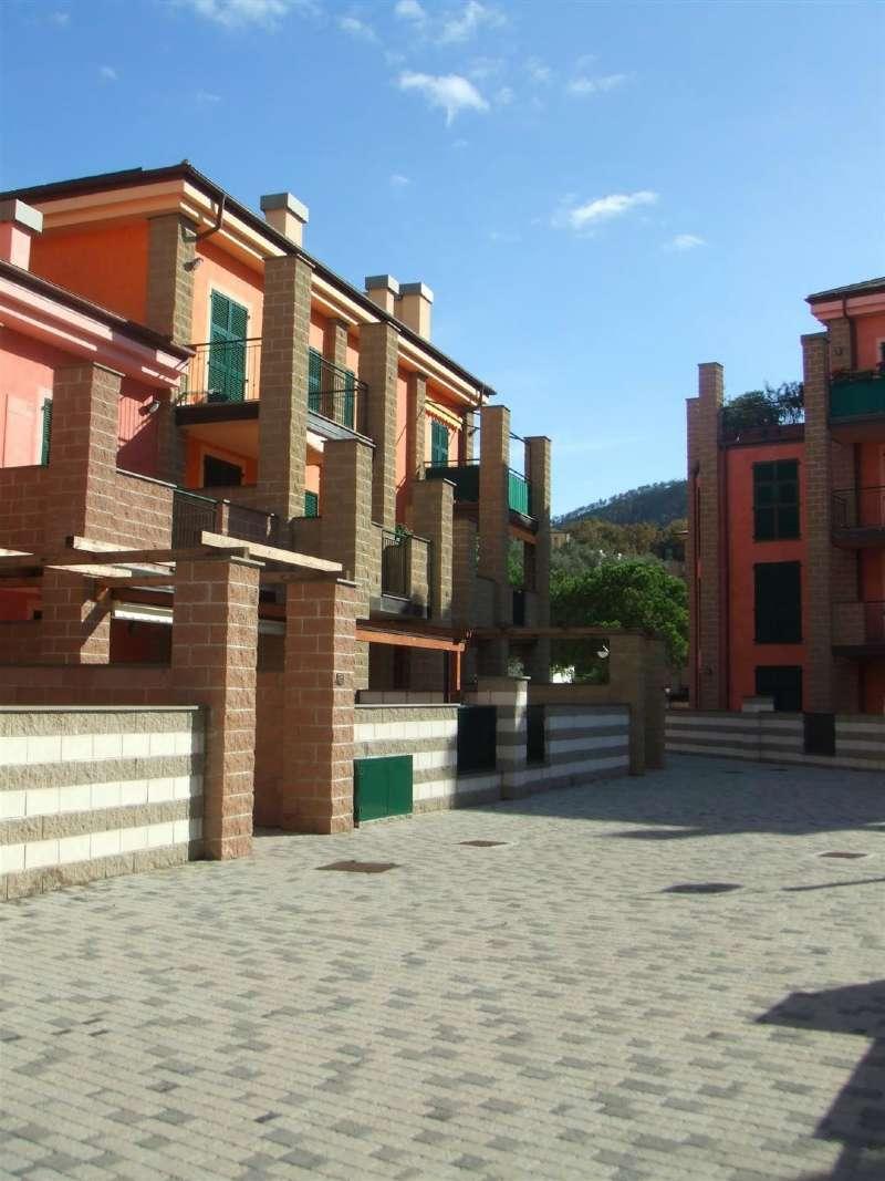 Appartamento in vendita a Sestri Levante, 4 locali, prezzo € 411.000 | CambioCasa.it