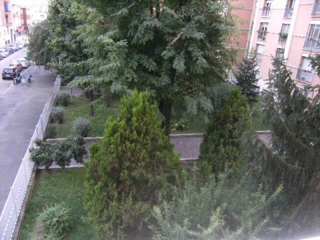 Bilocale Milano Via Via Tito Livio 4