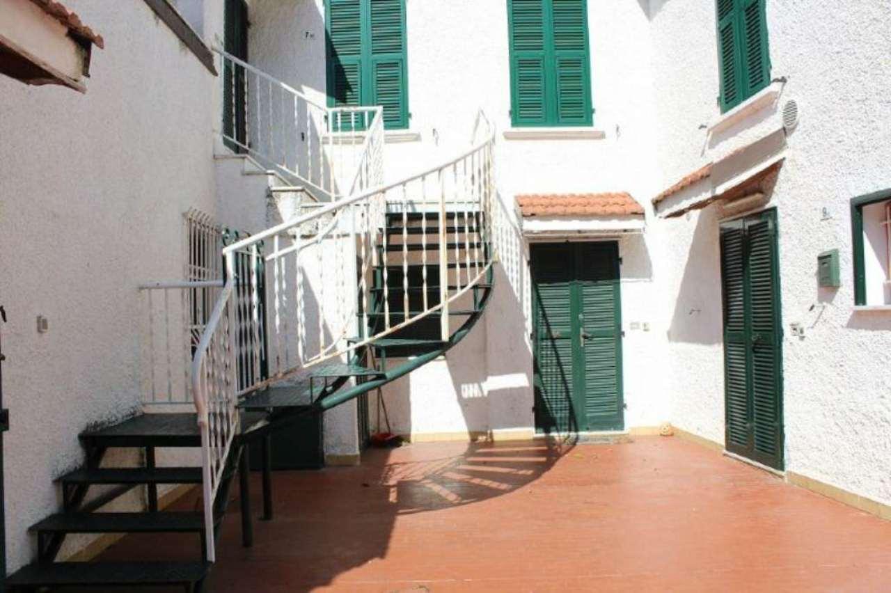Bilocale Loano Via Verga 1