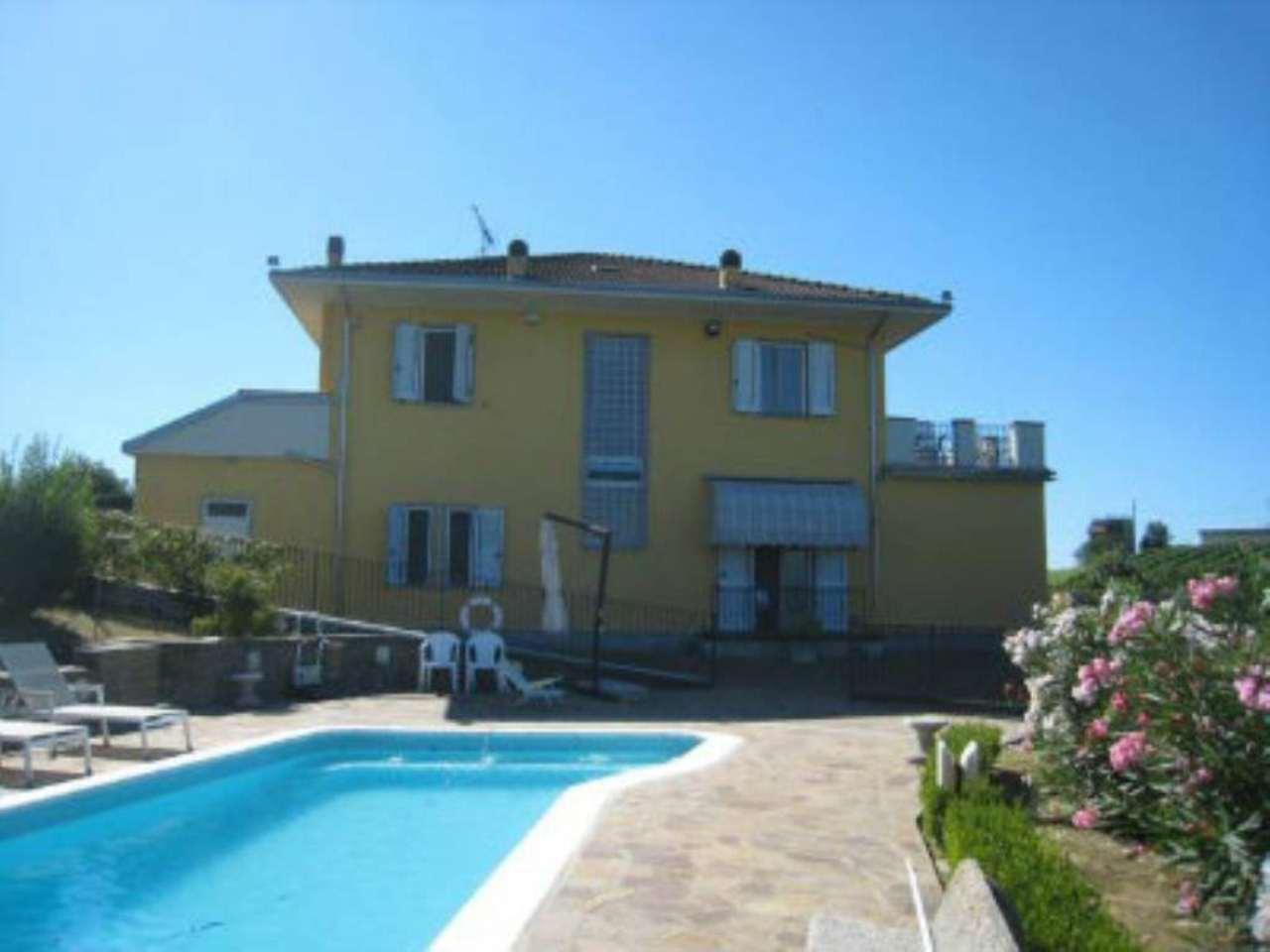 Foto - Villa In Vendita  Govone