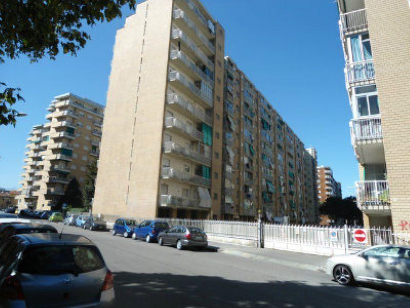 Appartamento in vendita a Torino, 3 locali, zona Zona: 7 . Santa Rita, prezzo € 100.000 | Cambiocasa.it