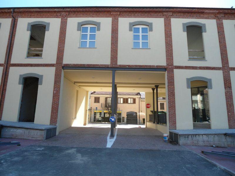 Negozio / Locale in affitto a Chieri, 1 locali, prezzo € 1.500 | Cambiocasa.it