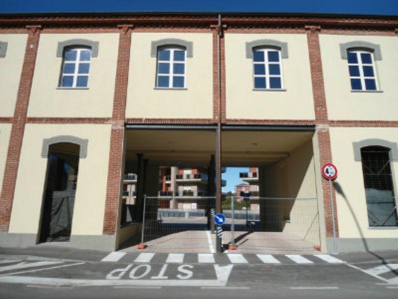 Negozio / Locale in affitto a Chieri, 9999 locali, prezzo € 2.400 | Cambiocasa.it
