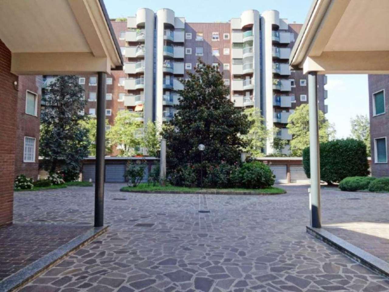 Bilocale Milano Via Marchetti 3
