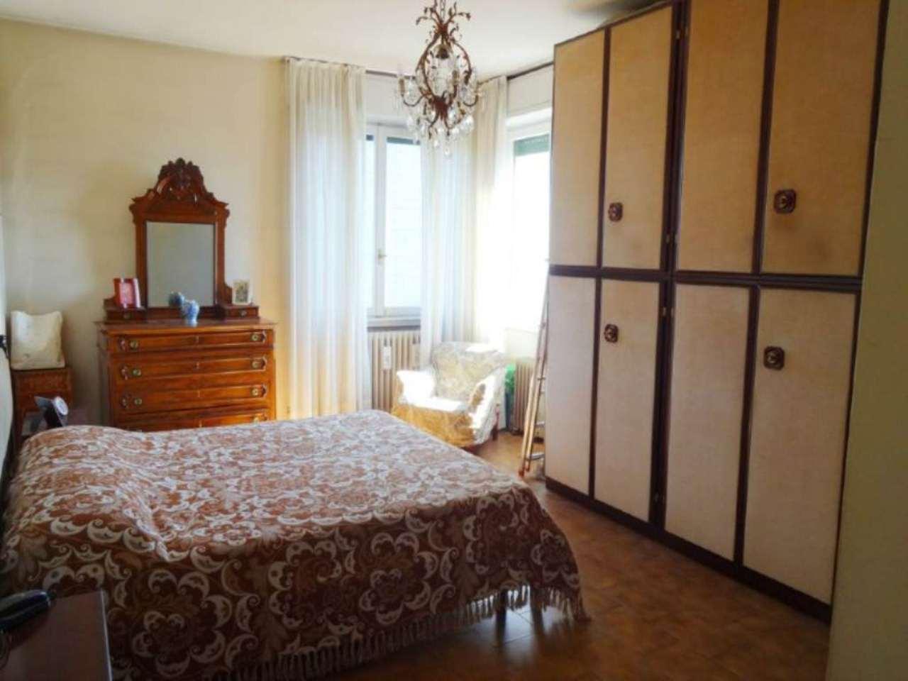 Bilocale Milano Via Marchetti 7