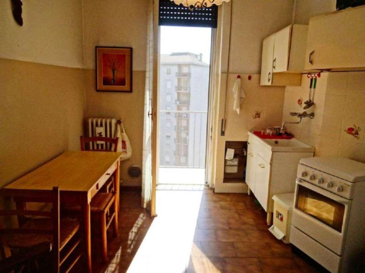 Bilocale Milano Via Marchetti 9