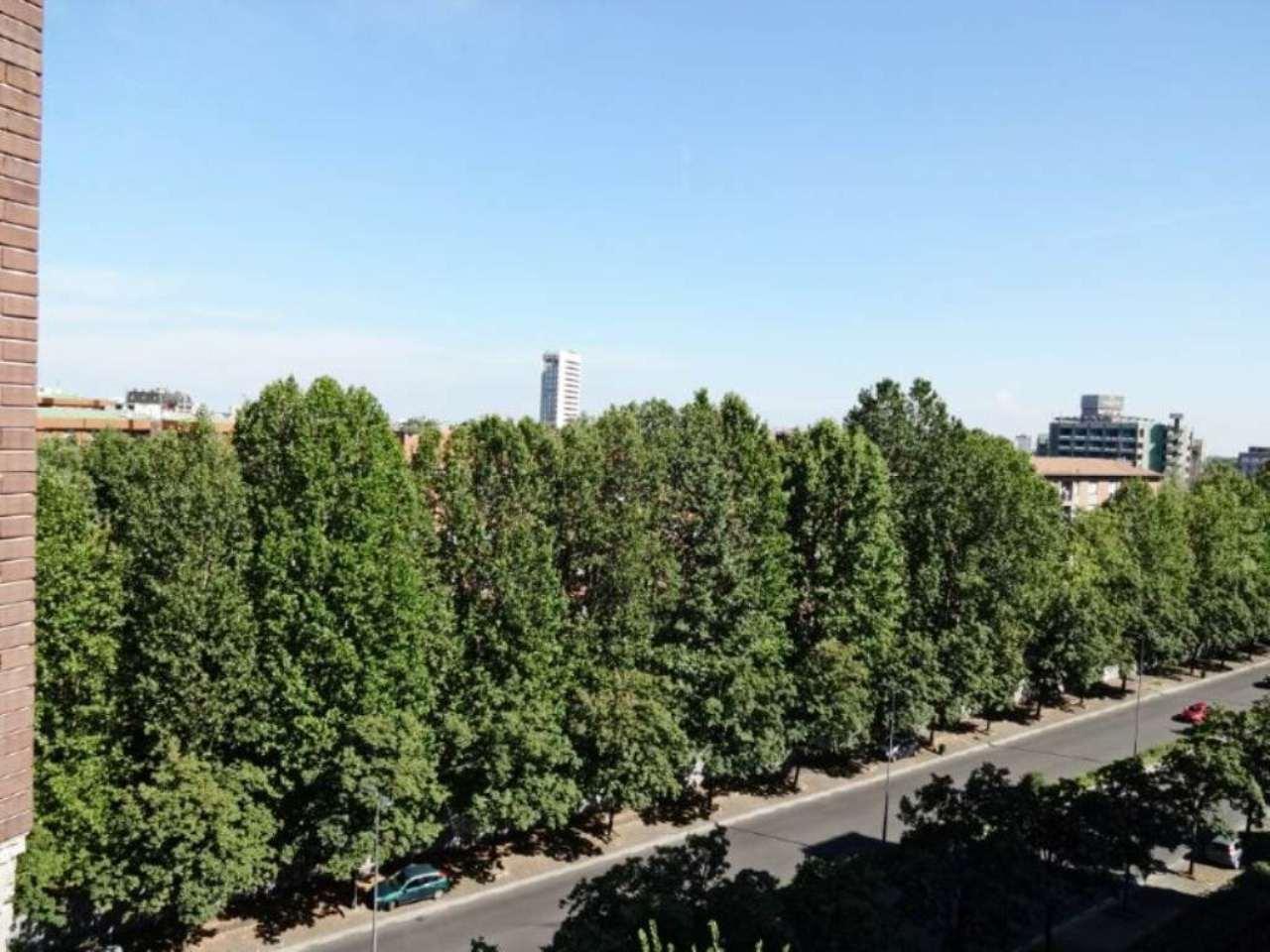 Bilocale Milano Via Marchetti 10