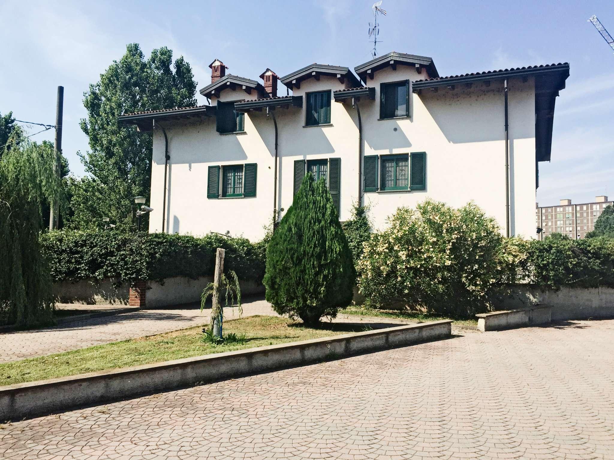 Vendita  bilocale Milano Via Via Baroni 1 1089498