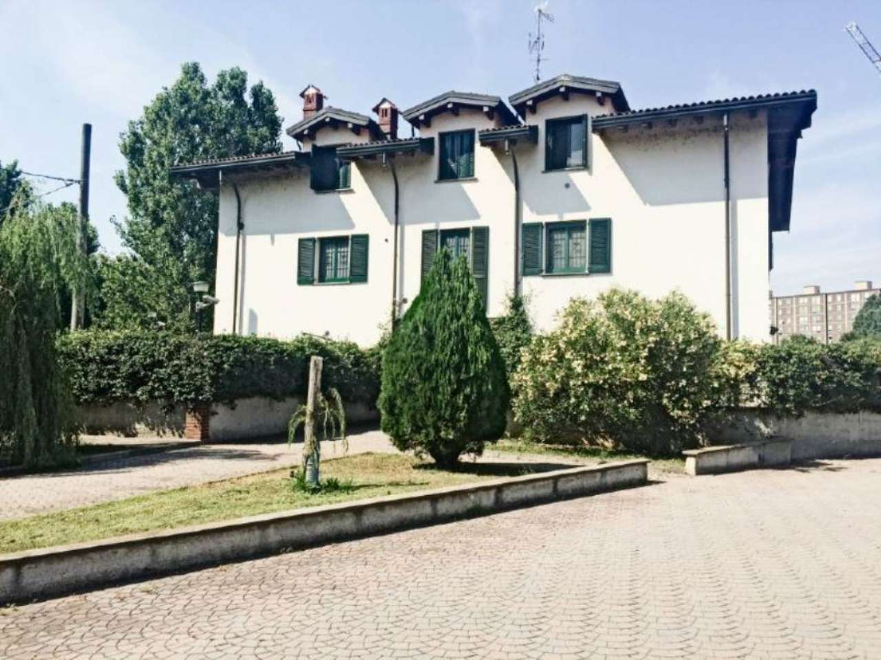 Bilocale Milano Via Via Baroni 1