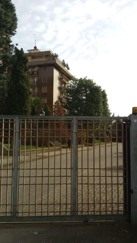 Appartamento in vendita 3 vani 110 mq.  via Baroni 194 Milano