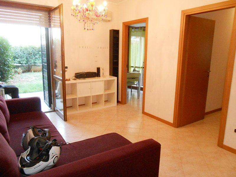 Appartamento in vendita a Roma, 3 locali, zona Zona: 35 . Setteville - Casalone - Acqua Vergine, prezzo € 150.000 | Cambiocasa.it