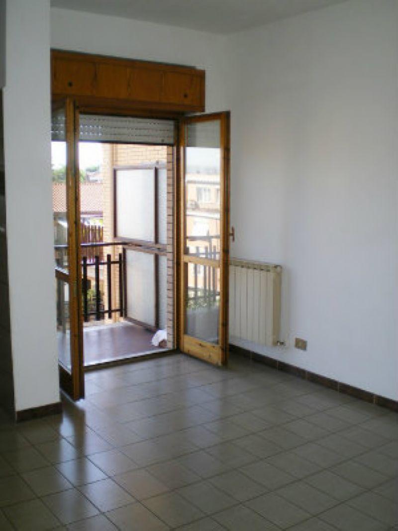 Appartamento in vendita a Roma, 2 locali, zona Zona: 23 . Portuense - Magliana, prezzo € 155.000 | Cambio Casa.it