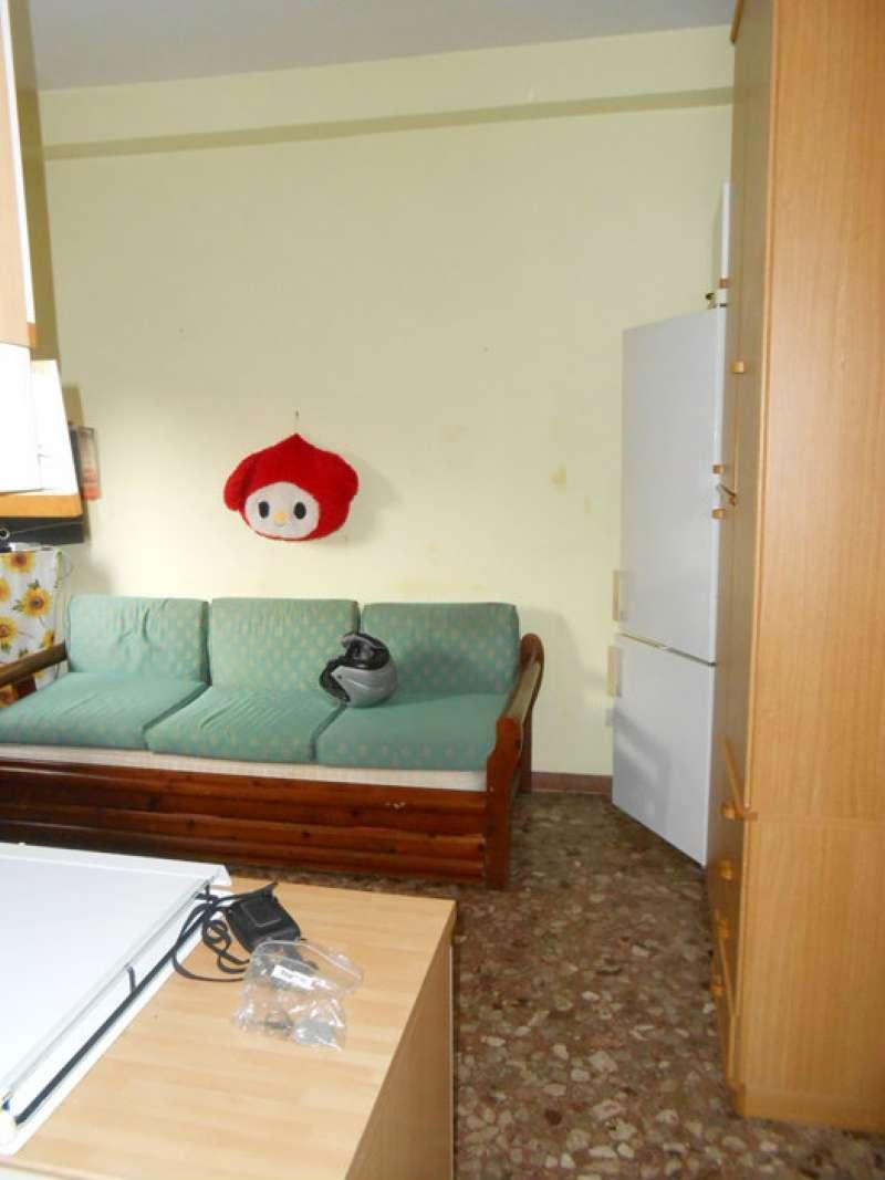 Monolocale roma affitto 350 zona 9 prenestino for Affitto appartamento transitorio roma