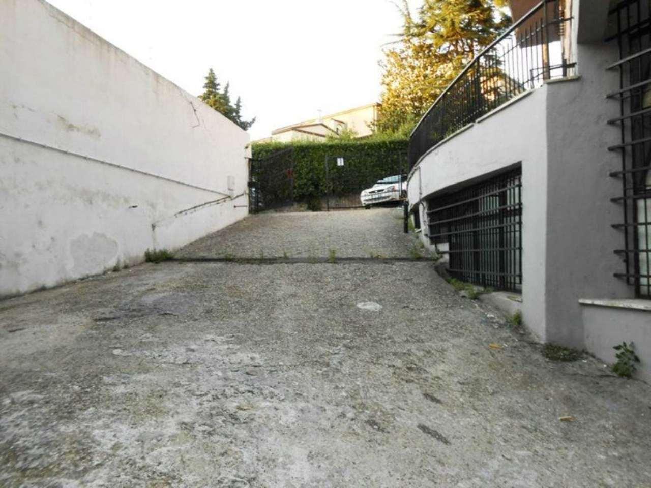 Magazzino in vendita a Roma, 1 locali, zona Zona: 27 . Aurelio - Boccea, prezzo € 500.000 | Cambiocasa.it