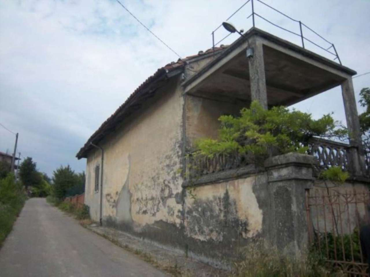 Annunci immobiliari neive for 3 piani di casa del ranch del garage dell automobile