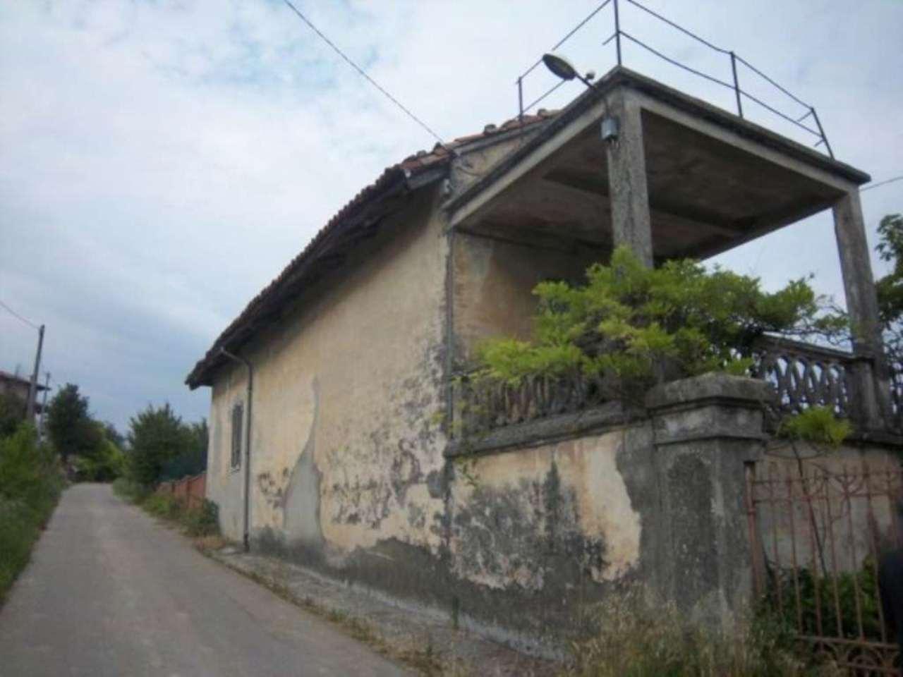 Rustico / Casale in vendita a Neive, 6 locali, prezzo € 300.000 | CambioCasa.it