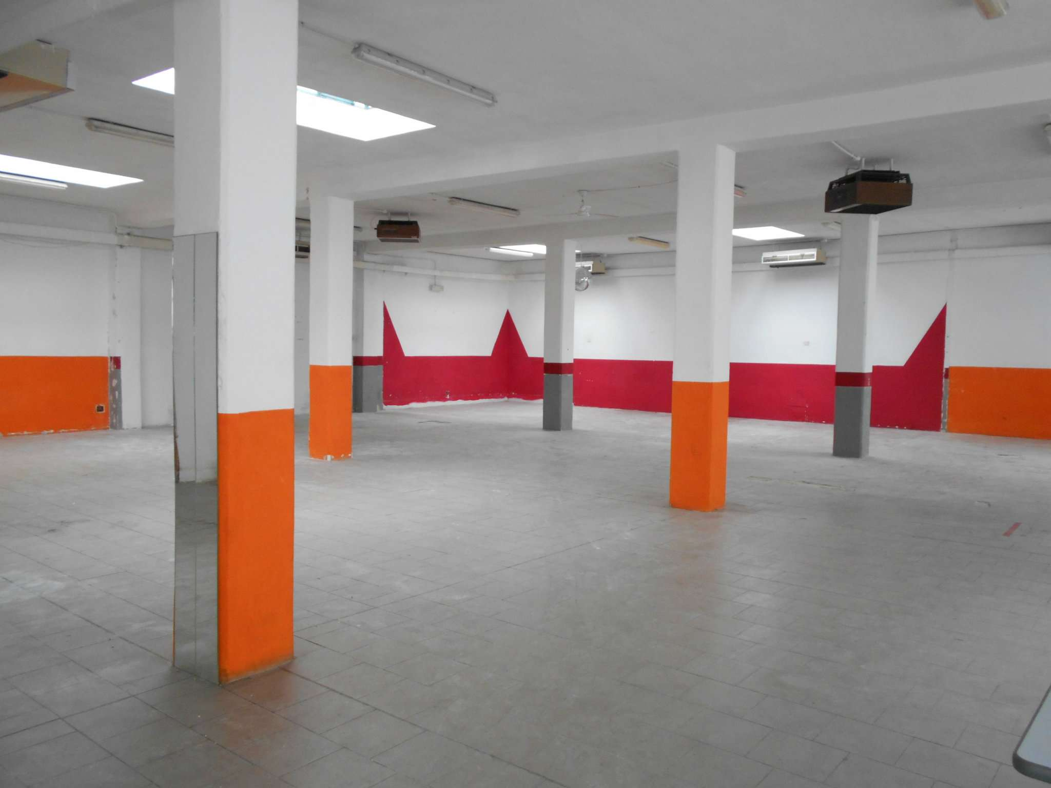 Magazzino/Laboratorio in affitto strada DELLA PRONDA Grugliasco