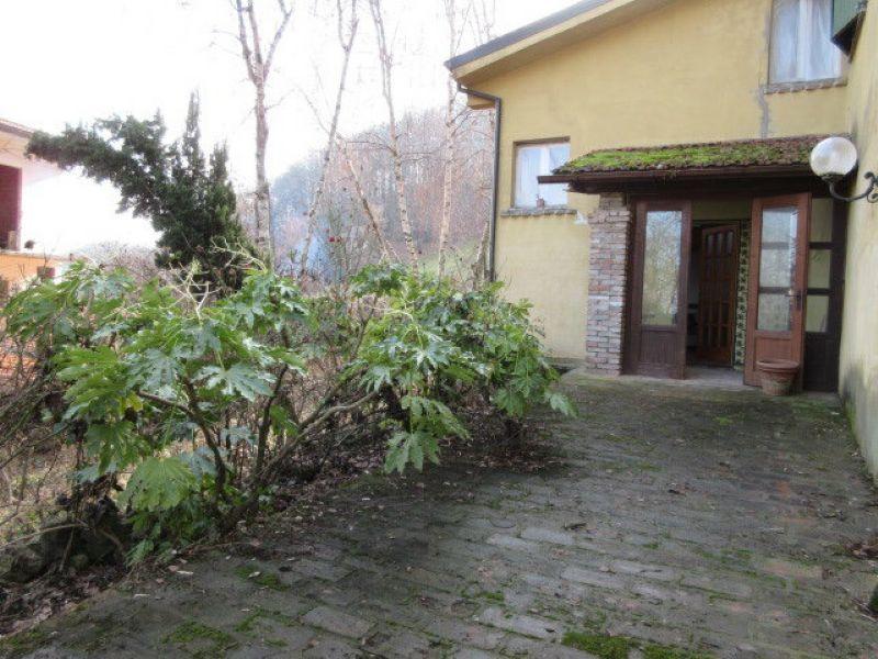 Soluzione Indipendente in vendita a Casina, 7 locali, prezzo € 70.000 | Cambio Casa.it