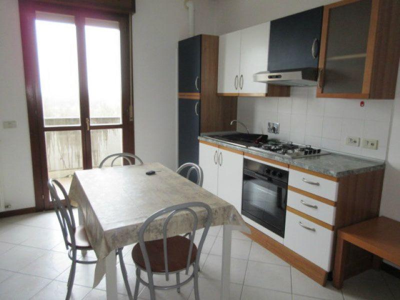 Appartamenti bilocali in affitto a reggio emilia for Affitto appartamento arredato reggio emilia