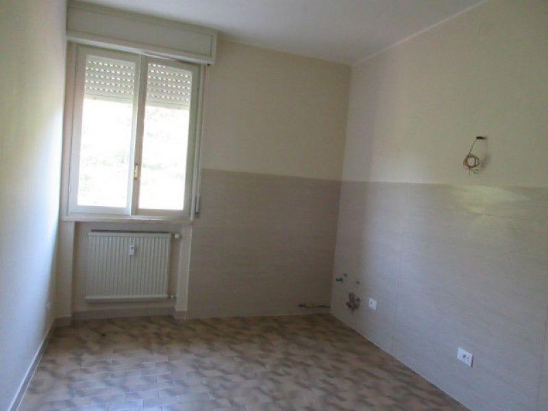 Appartamento in affitto a Quattro Castella, 5 locali, prezzo € 400 | Cambio Casa.it