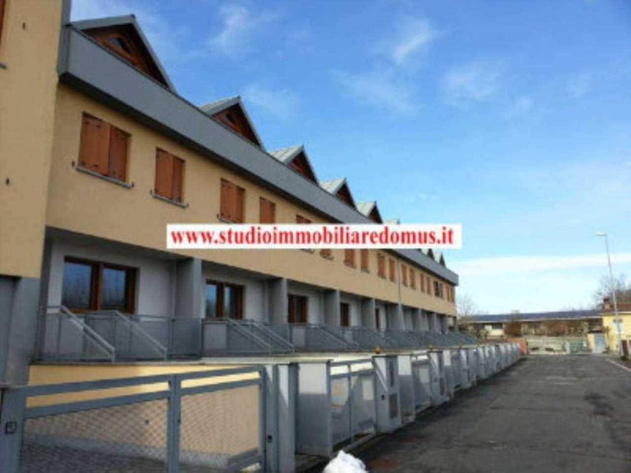 Villa a Schiera in vendita a Cavenago d'Adda, 4 locali, prezzo € 179.000 | Cambio Casa.it