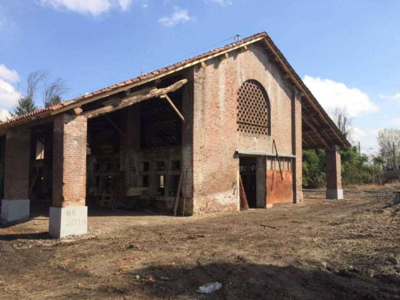 Rustico / Casale in vendita a Tavazzano con Villavesco, 9999 locali, prezzo € 500.000 | CambioCasa.it
