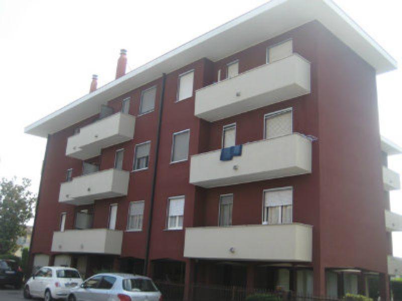 Appartamento in vendita a Sant'Angelo Lodigiano, 3 locali, prezzo € 125.000 | Cambiocasa.it