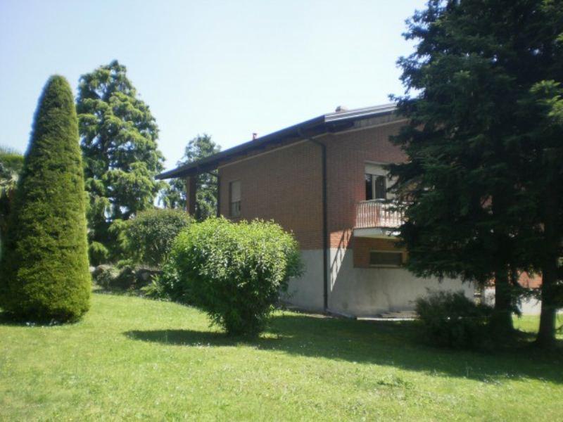 Villa in vendita a Viverone, 6 locali, Trattative riservate | Cambio Casa.it