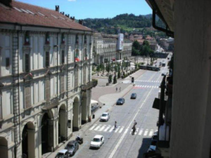 Appartamento in vendita a Torino, 5 locali, zona Zona: 1 . Centro, prezzo € 650.000 | Cambiocasa.it