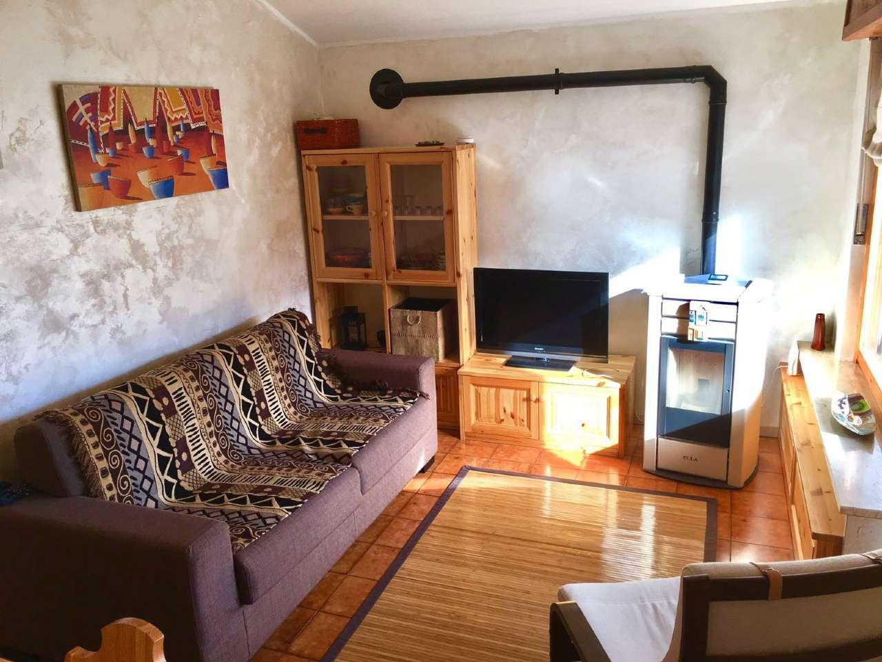 Appartamento in vendita a Oulx, 2 locali, prezzo € 98.000   CambioCasa.it
