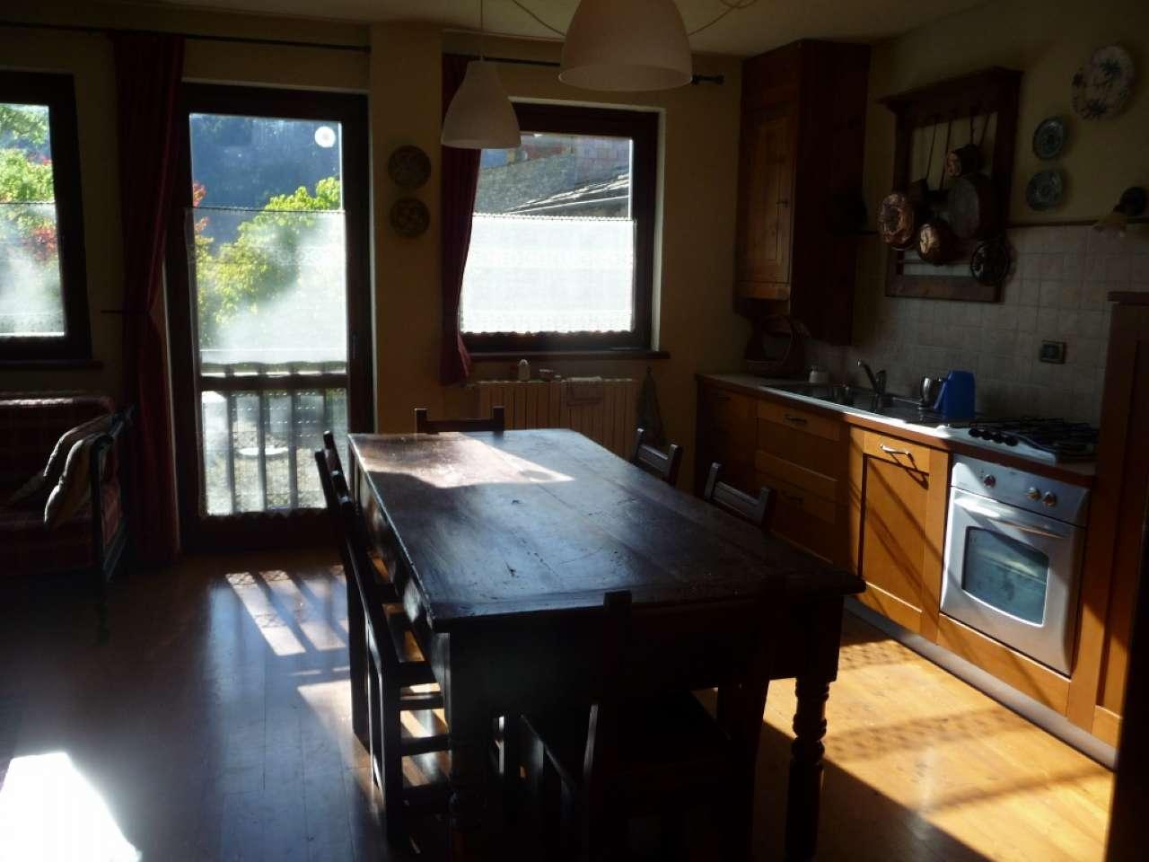 Appartamento in vendita a Oulx, 3 locali, prezzo € 200.000   CambioCasa.it