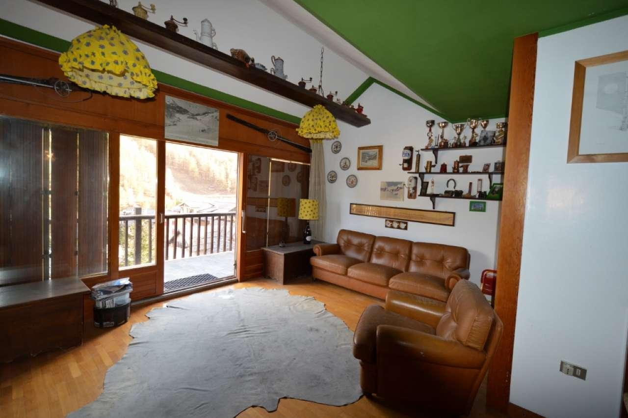 Appartamento in vendita a Claviere, 4 locali, prezzo € 350.000 | CambioCasa.it