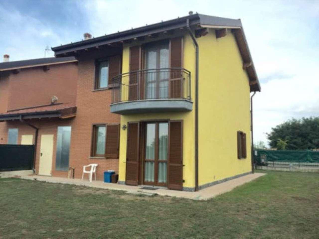 Villa Bifamiliare in vendita a Bereguardo, 4 locali, prezzo € 165.000 | Cambio Casa.it