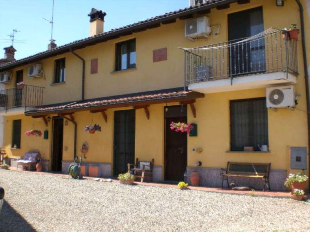 Soluzione Indipendente in vendita a Dorno, 8 locali, prezzo € 169.000 | Cambio Casa.it