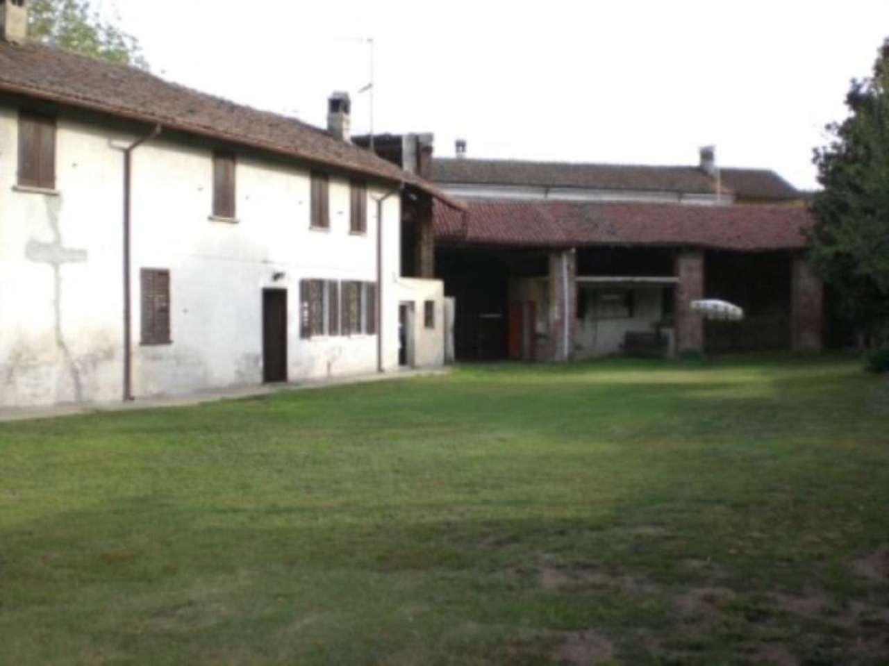 Rustico / Casale in vendita a Garlasco, 6 locali, prezzo € 250.000 | Cambio Casa.it