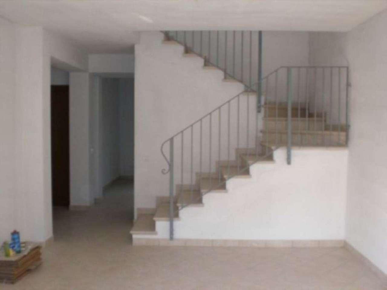Villa in vendita a Garlasco, 5 locali, prezzo € 260.000 | Cambio Casa.it