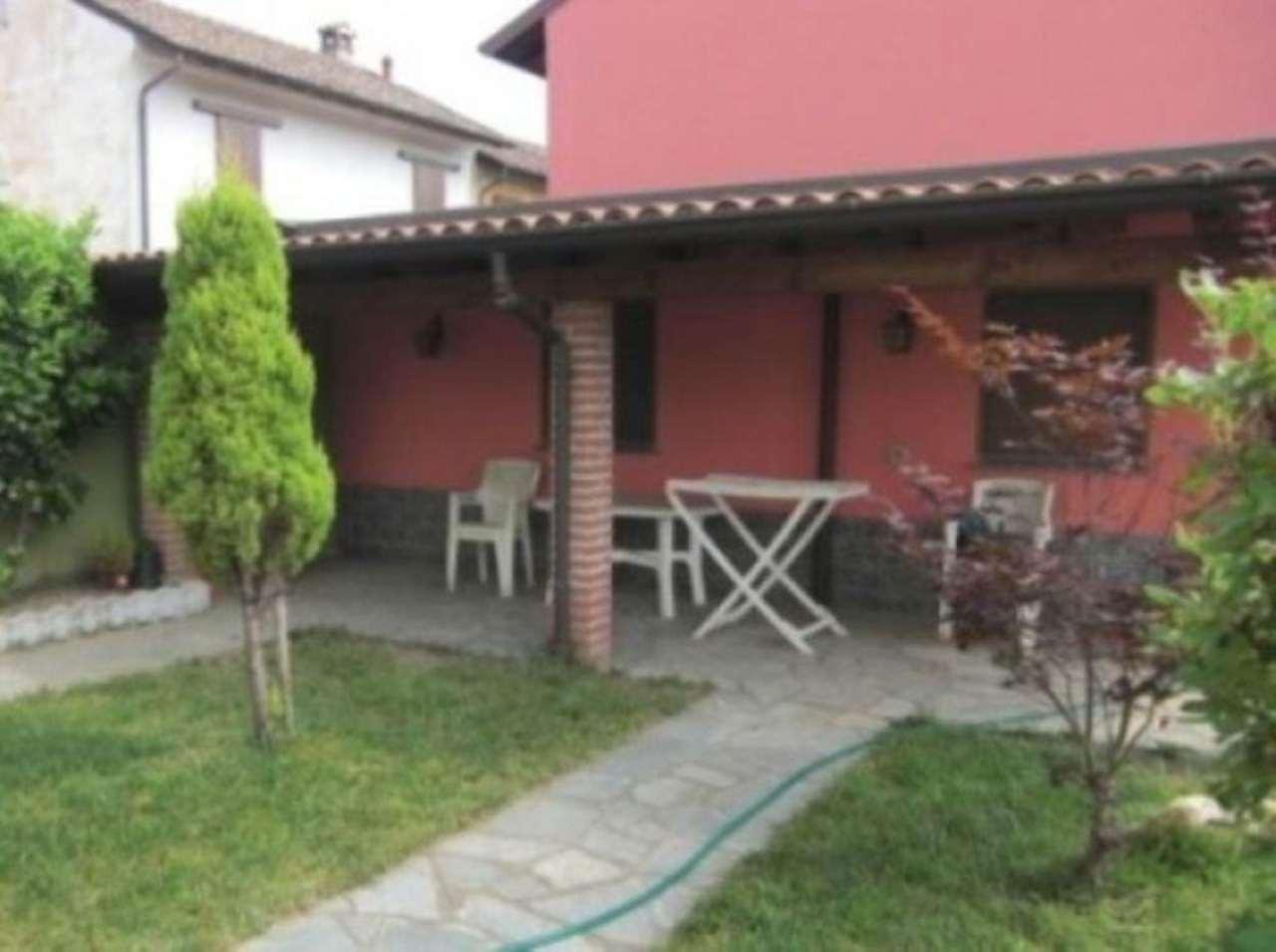 Villa in vendita a Garlasco, 5 locali, prezzo € 150.000 | Cambio Casa.it