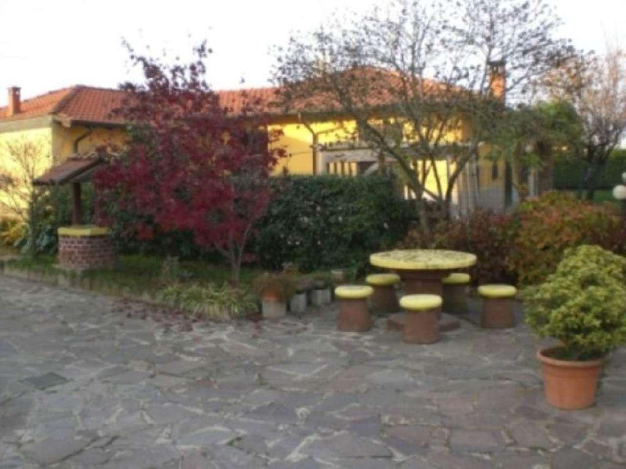 Villa in vendita a Tromello, 4 locali, prezzo € 160.000 | Cambio Casa.it
