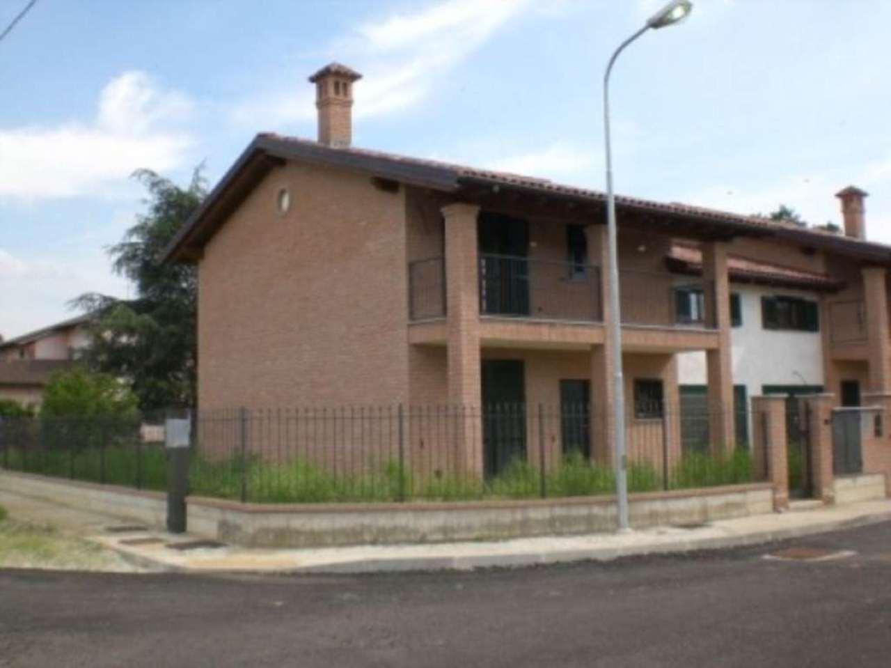 Villa in vendita a Bereguardo, 6 locali, prezzo € 280.000 | Cambio Casa.it