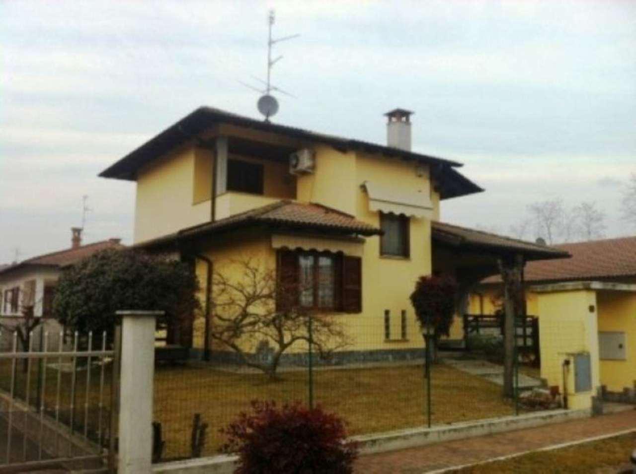 Villa in vendita a Garlasco, 5 locali, prezzo € 290.000 | Cambio Casa.it