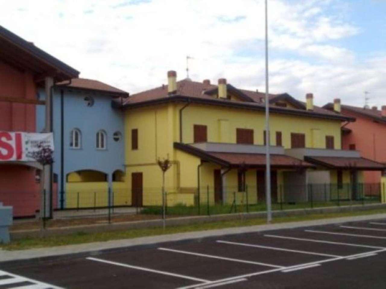 Appartamento in affitto a Gropello Cairoli, 2 locali, prezzo € 420 | Cambio Casa.it