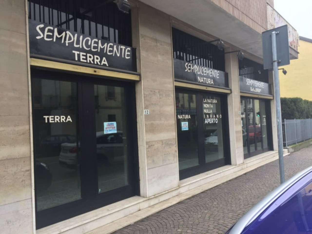 Negozio / Locale in affitto a Garlasco, 1 locali, prezzo € 650 | Cambio Casa.it